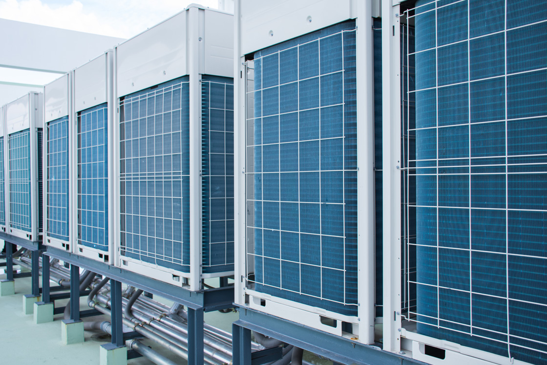 HVAC chillers - Air & water cooled chiller systems | Danfoss