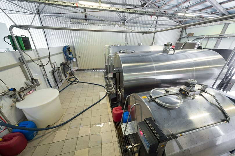 Speciality Cooling for Milk Tanks - Danfoss