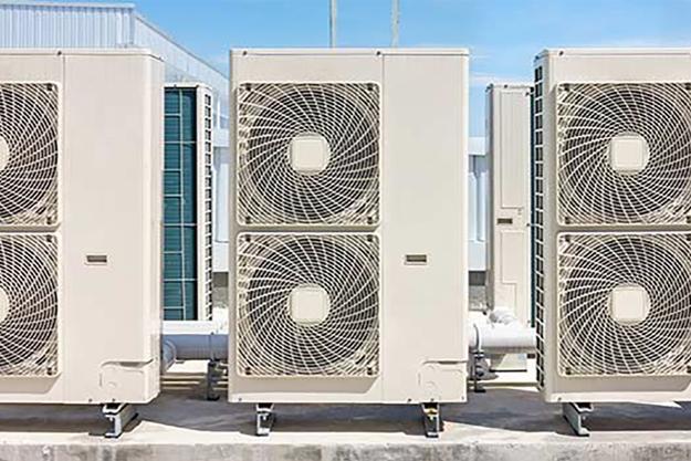 R407A/F refrigerant   Low-GWP alternative to R404A   Danfoss