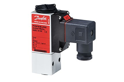 MBC 5100 compact pressure switches for marine danfoss