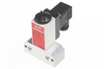 MBC 5180, block-type differential pressure switches for marine danfoss