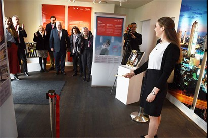 : Christina Clausen, granddaughter of Mads Clausen, cut the ribbon for the Danfoss Museum