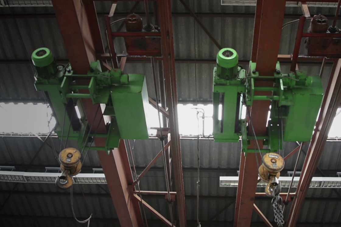 AC drives (VFD) for industrial crane and hoist movement
